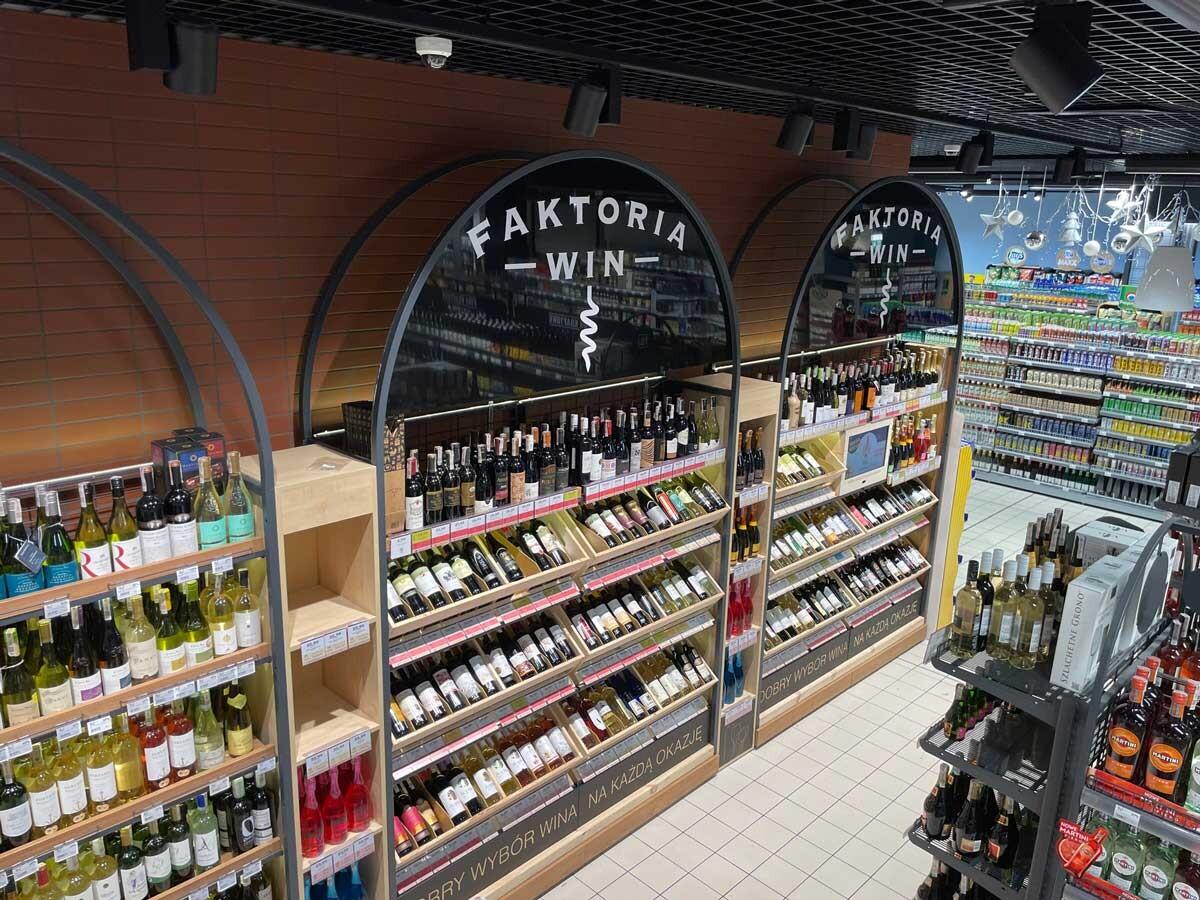 transform regały do win dla sklepów